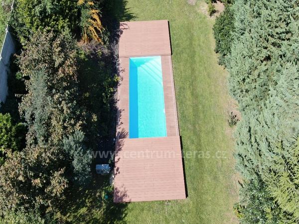 Pojezdové zakrytí bazénu WPC molo